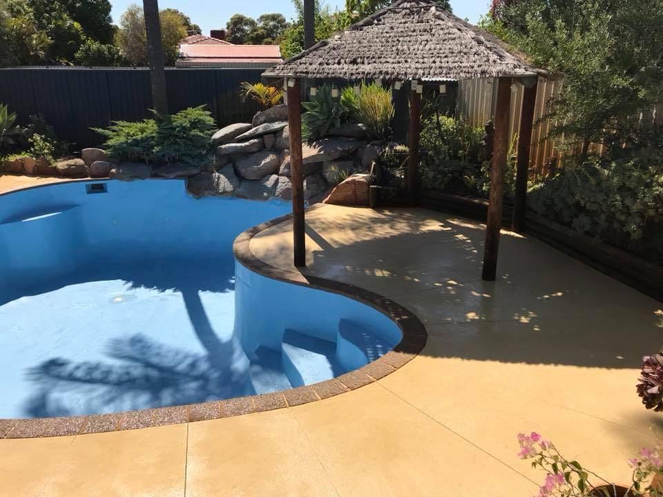 Liquid limestone for pool surround in Perth